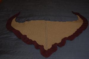 Gardiner-Terhi shawlette flat